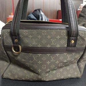 Women s Louis Vuitton Doctor Bag on Poshmark 59517881e4